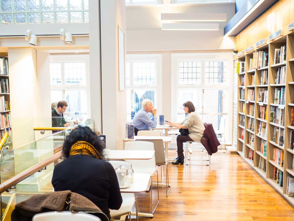 Bookstores in Dublin: Dubray Bookstore