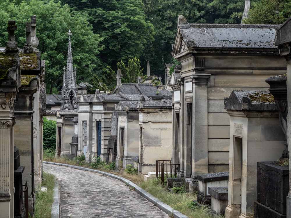 Spend four days in Paris and visit Pere-Lachaise cemetary