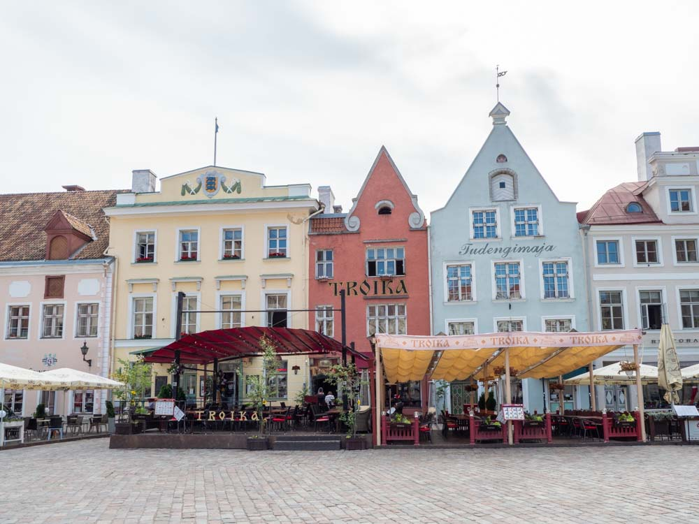 Tallinn in a day: Town Hall Square with tables and chairs