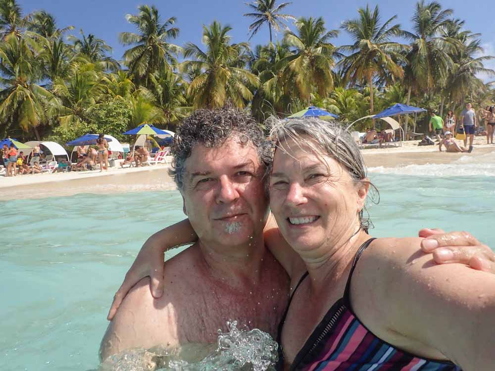 San Andres Johnny Cay couple swimming