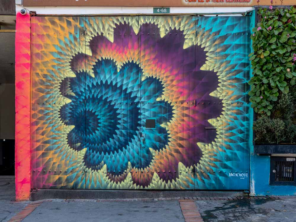 Bogota mural by Hoxxoh