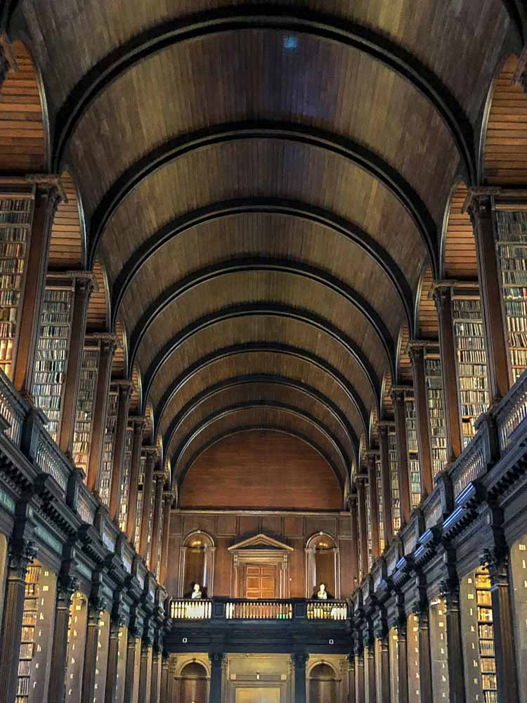 Famous libraries: Dublin Longroom library Trinity College. Domed wood ceiling and bookshelves